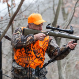 deer-hunter-with-monopod-attachment